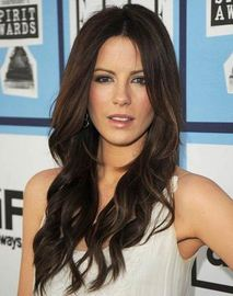 The Most Glamorous Long Haired Hairstyles For a Cocktail Party