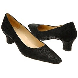 How To Find Good Fitting Slip on Shoes Online