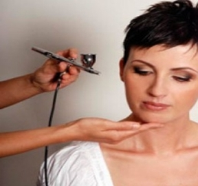 What You Should Know About Airbrush Makeup