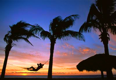 How To Save Money & Have Fun With Warm Vacations
