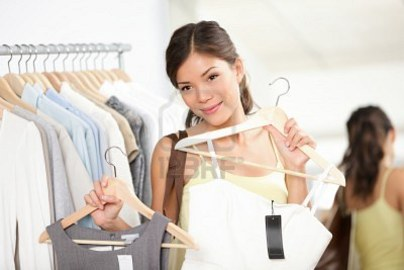 Tips For a Women To Buy a Dress in a Clothing Store