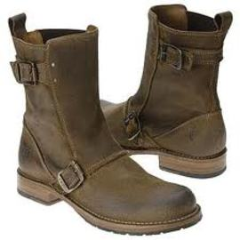 How Women's Shoes Are Different From Men's Boots