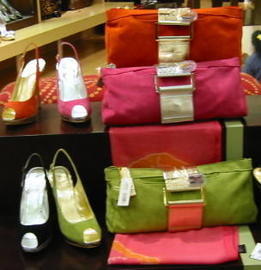 How To Match Shoes With Purses